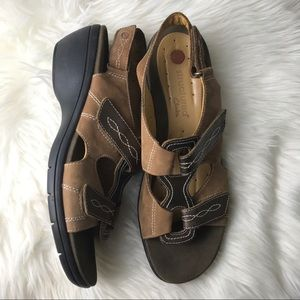 Clark structure open toe sandals size 11